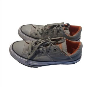 Converse all star low tops size 6 gray canvas